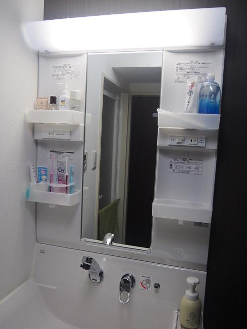 小さくてもキレイなホテルの洗面台のように、すっきりと美しい空間を目指す。