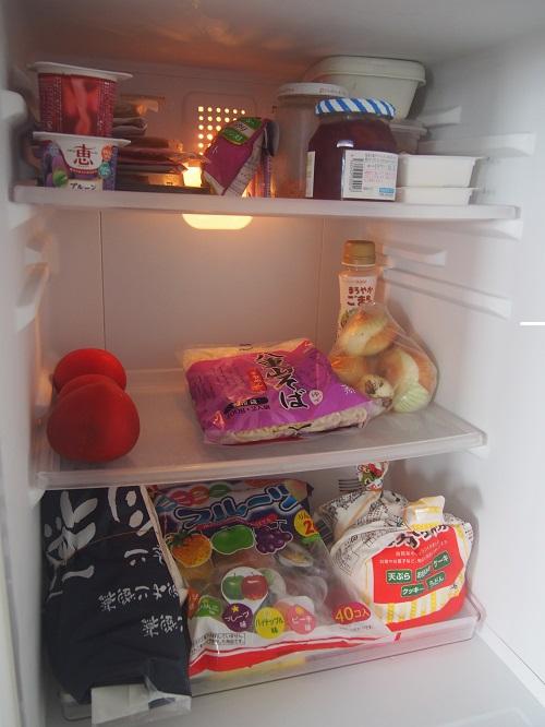 4人家族の冷蔵庫サイズは168L、ちいさくても問題なく生活中。