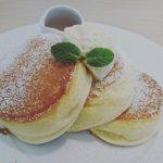 瀬長島ウミカジテラスにある「幸せのパンケーキ」は、想像以上においしい。