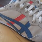 靴は、定番のアイテムをアップデートする。
