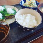 連休中のご飯作りは、一汁二菜くらいのシンプルさで乗り切る。