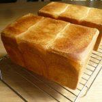 ホームベーカリーを使って、耳までおいしい食パンを焼いてみよう。
